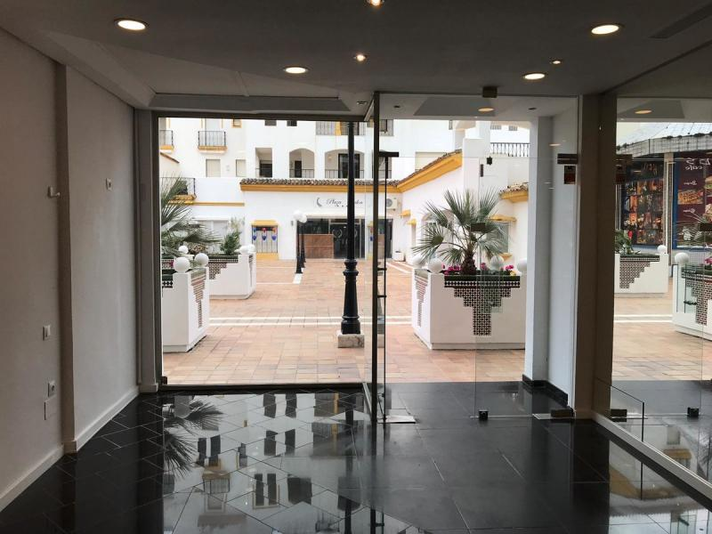 Business premises for sale Puerto Banús/Málaga,  Puerto Banús, Španjolska