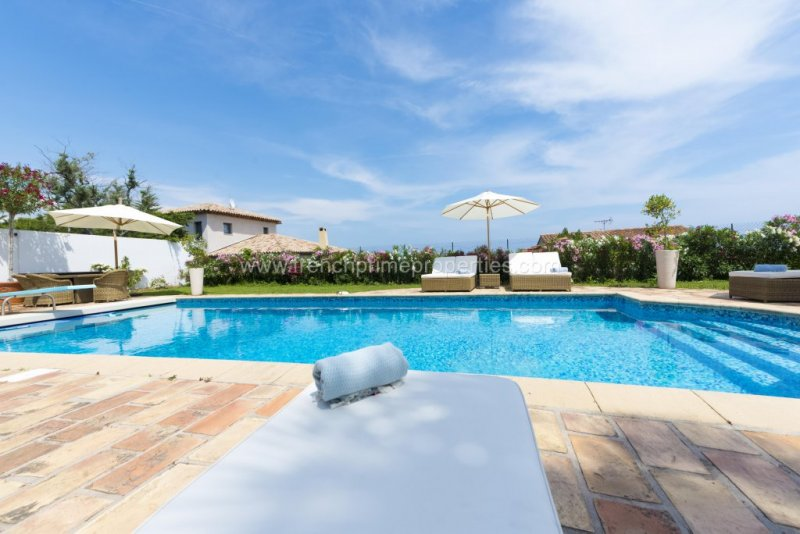 Sale Villa - Antibes / 4105,  Antibes, France