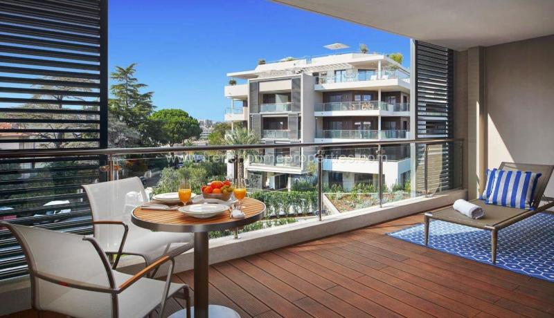2 Bedrooms - Apartment - Alpes-Maritimes - For Sal, 06160 Cap D'antibes, France