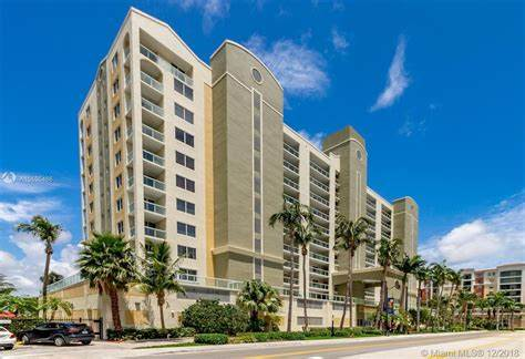 Golden Bay Club, 33160 Sunny Isles Beach, Stati Uniti