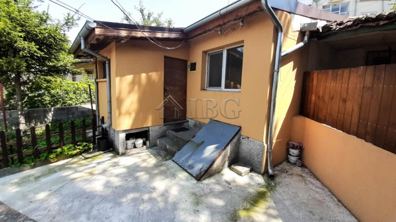 2-bed house wIth yard for rent near Danube RIver,,  Ruse, Bulgária
