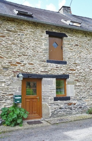 Lovely mid-terraced cottage, 105,000.00 € / 696, 56800 Guillac, France